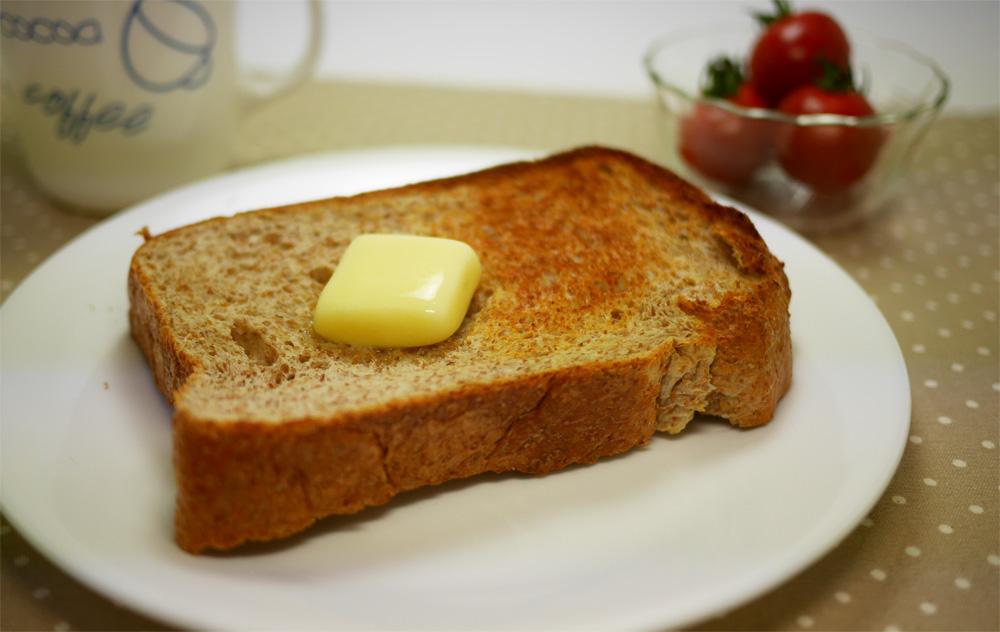 ソイブランパンをカリッとトーストで