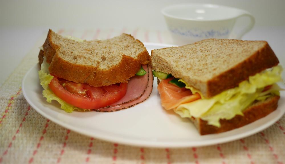 ソブランパンでサーモンサンドイッチ
