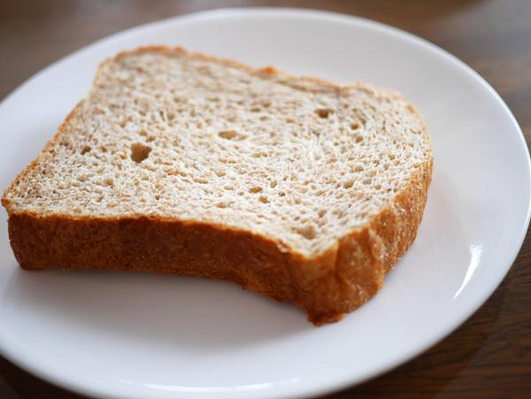 ( ココナッツオイルでオリーブオイルパンを焼きました )