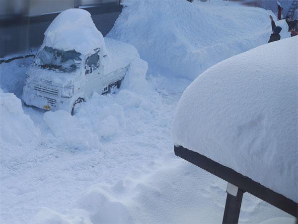 ( 積雪1メートルです )
