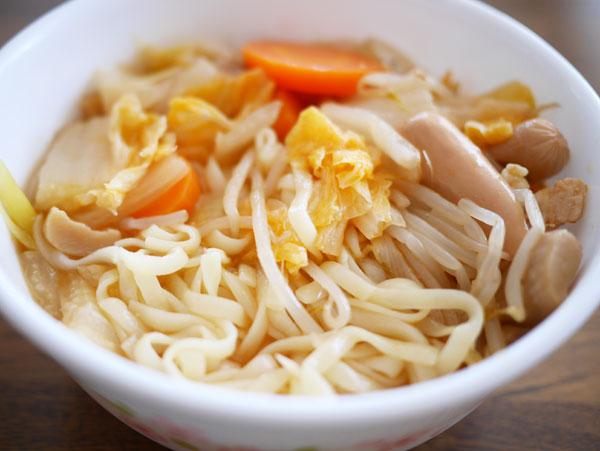 (おからこんにゃく麺でキムチ鍋 )