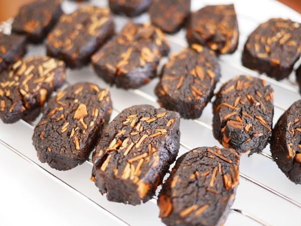 ( 大豆粉でココアクッキー焼きすぎました )